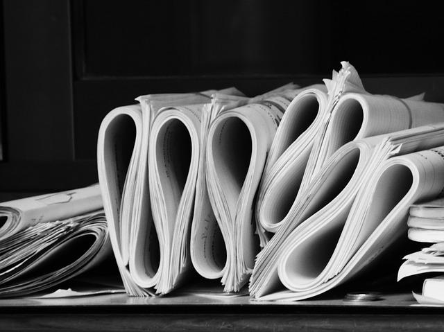 kupičky papíru