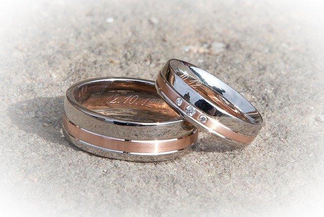 snubní prsteny dvoubarevníé
