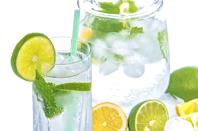 minerální voda s citrusy.jpg